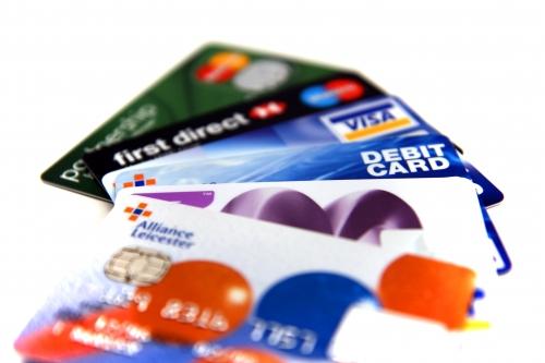 Học thói quen sử dụng thẻ tín dụng khi đi du lịch nước ngoài