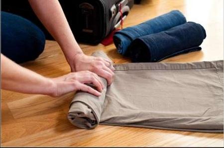 Sắp xếp quần áo khi đi du lịch