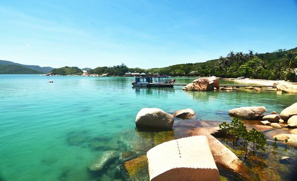 Cảnh biển tuyệt đẹp ở vịnh Vân Phong. Ảnh: Hải Nam