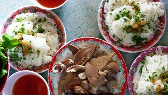 Bánh hỏi lòng heo Bình Thuận
