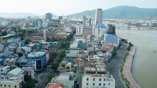Đường Bạch Đằng ven sông Hàn