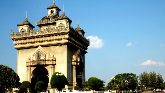 Khải Hoàn Môn Patuxay, Lào