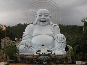 Tượng Phật cười ở chùa Linh Ẩn