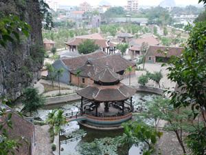 Làng Việt cổ Cố Viên Lầu