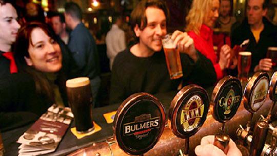 Uống bia ở Dublin