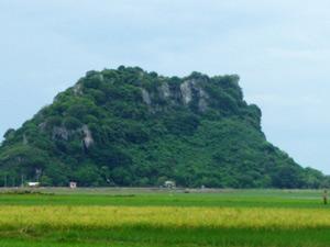 Núi Đá Dựng, Hà Tiên