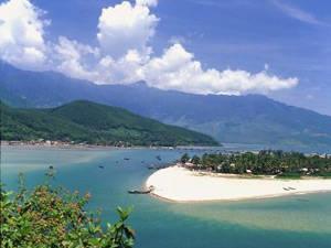 Vịnh Lăng Cô - iVIVU.com