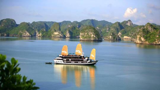 Tàu ngủ đêm trên vịnh Hạ Long - iVIVU.com