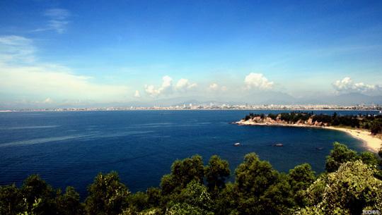 Một góc biển Đà Nẵng - iVIVU.com