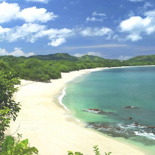 Một dải bờ biển thật đẹp tại Đà Nẵng - iVIVU.com