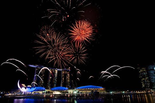Marina Bay Sand Countdown 2013 - iVIVU.com