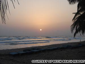 Bãi biển Beyin ở Ghana - iVIVU.com