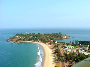Bãi biển ở Freetown, Sierra Leone - iVIVU.com