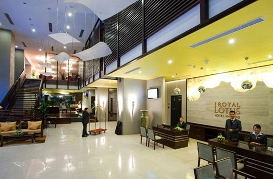 Khách sạn Royal Lotus Hạ Long - iVIVU.com
