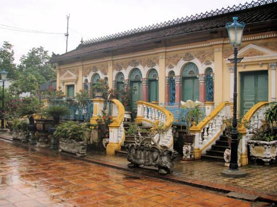Nhà cổ Bình Thủy, Cần Thơ - iVIVU.com