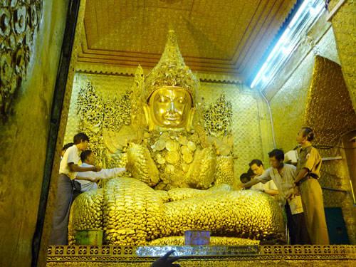 Tượng phật Mahamuni ở Mandalay - iVIVU.com