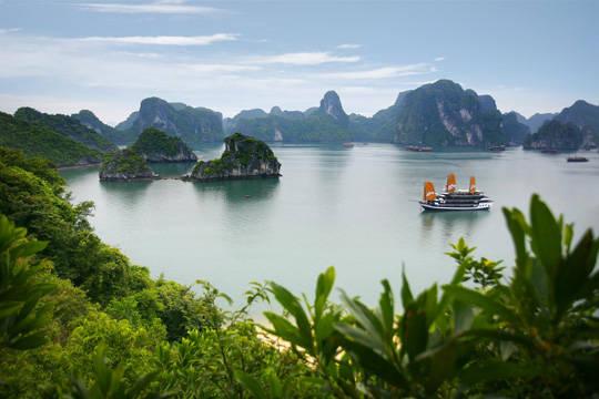 Du lịch Quảng Ninh - vịnh Hạ Long - iVIVU.com