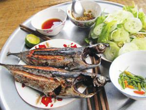 Ẩm thực Phú Yên - gỏi cá ồ - iVIVU.com