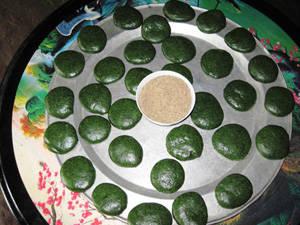 Ẩm thực Thái Nguyên - bánh ngải người Tày - iVIVU.com
