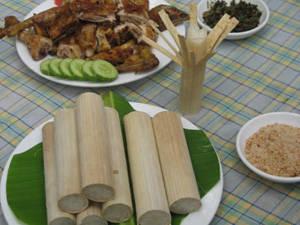 Ẩm thực Thái Nguyên - cơm lam Định Hóa - iVIVU.com