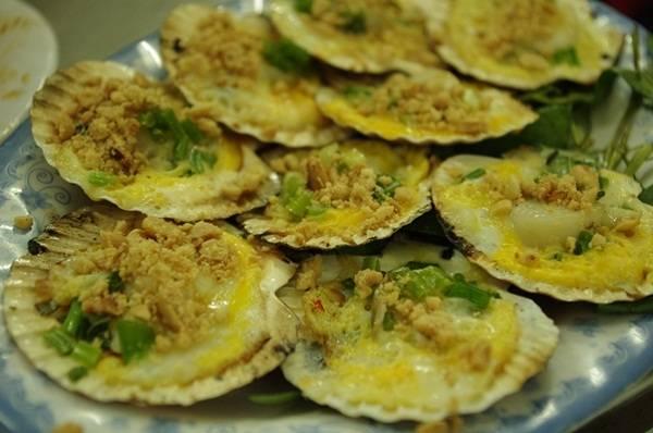 Ẩm thực Sài Gòn - Sò điệp trứng cút - iVIVU.com