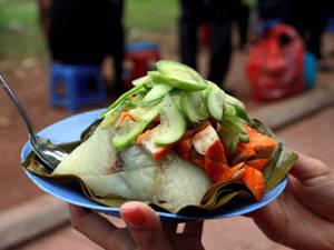 Ẩm thực Hà Nội - bánh giò Hồ Tây - iVIVU.com
