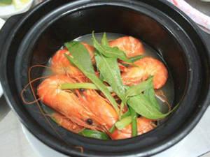 Ẩm thực Phú Yên - tôm hấp nước dừa - iVIVU.com