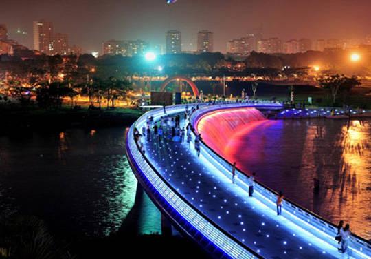 Du lịch Sài Gòn - Cầu Ánh Sao - iVIVU.com