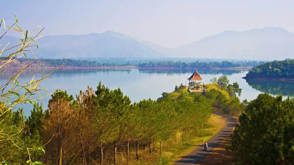 Tây Nguyên - Biển Hồ Tơ Nưng - iVIVU.com