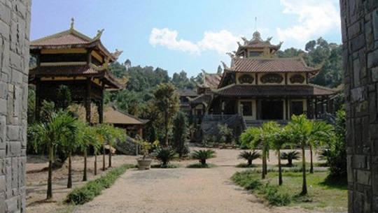 Du lịch Huế - Thiền viện Trúc Lâm Bạch Mã - iVIVU.com