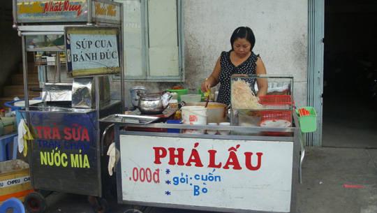 Món ngon Sài Gòn - Phá lấu đường Đặng Văn Ngữ - iVIVU.com