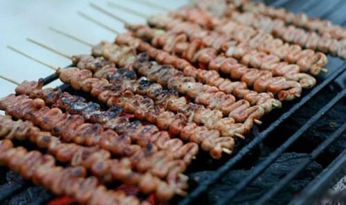 Món ngon Philippines -  Gà nướng Isaw - iVIVU.com