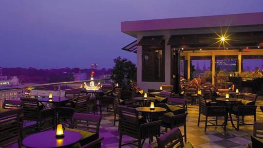 Khách sạn Sài Gòn - Caravelle - Bar Saigon Saigon - iVIVU.com