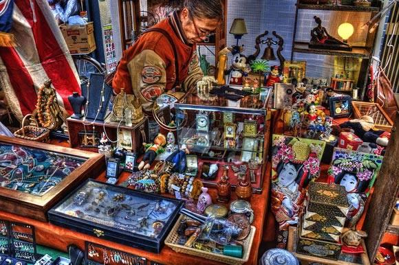 Những khu chợ là thiên đường mua sắm các vật phẩm độc đáo của địa phương