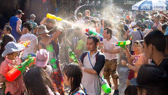 Du lịch Thái Lan - Lễ hội té nước Songkran - iVIVU.com