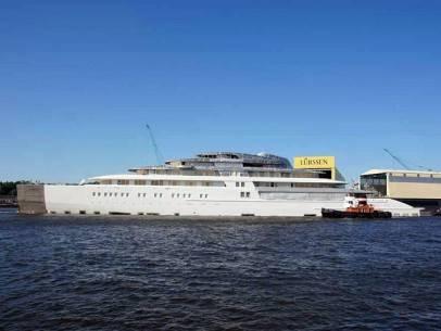 22 siêu du thuyền lớn nhất thế giới - 1-azzam-590-feet-long-2013-1366014154950 -ivivu.com