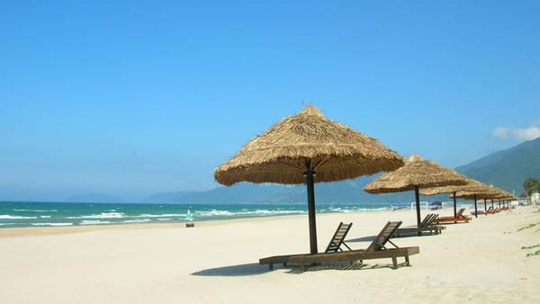 Du lịch Huế - Bãi biển vịnh Lăng Cô - iVIVU.com