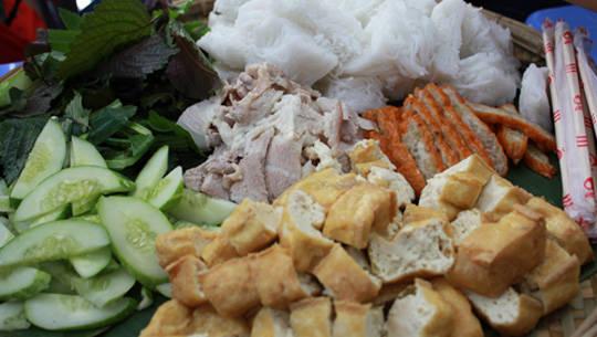 Ẩm thực Sài Gòn - bún đậu cô Khàn - iVIVU.com