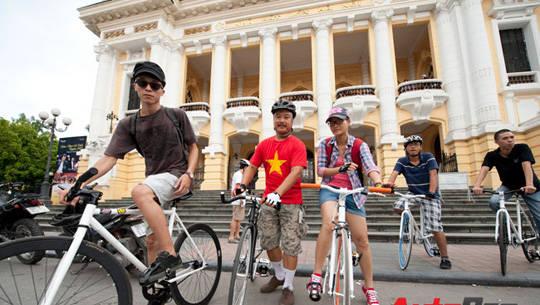 Du lịch Hà Nội - đạp xe dạo phố - iVIVU.com