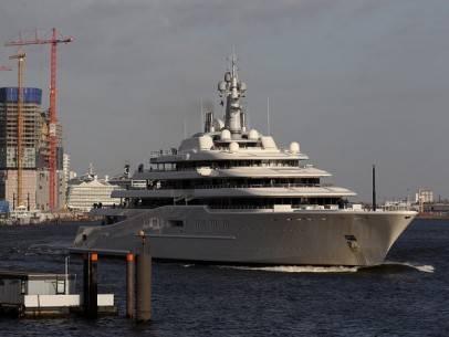 22 siêu du thuyền lớn nhất thế giới - 2-roman-abramovichs-eclipse-53314-feet-long-2010-1366014022670 - ivivu.com