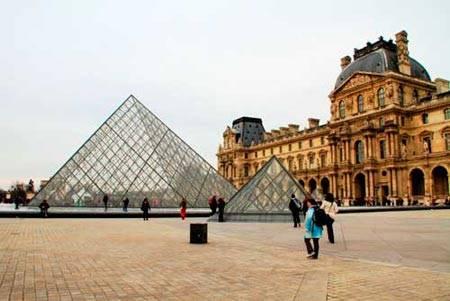 Du lịch bụi Paris - bảo tàng Lourve - iVIVU.com