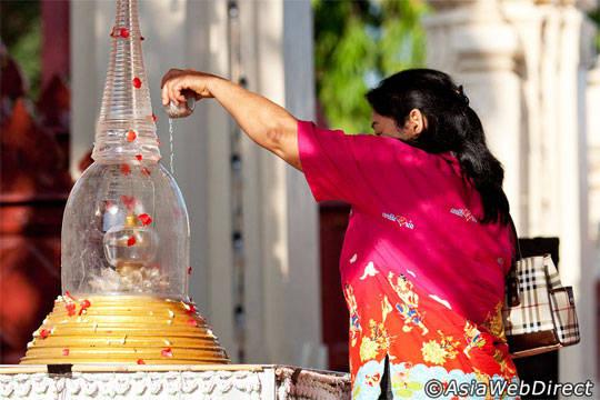 Du lịch Thái Lan - Lễ hội té nước Songkran - Sanam Luang - iVIVU.com