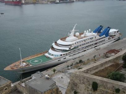 22 siêu du thuyền lớn nhất thế giới - 5-abdullah-ibn-abd-al-azizs-prince-abdulaziz-48228-feet-long-1984-1366013721089 - ivivu.com