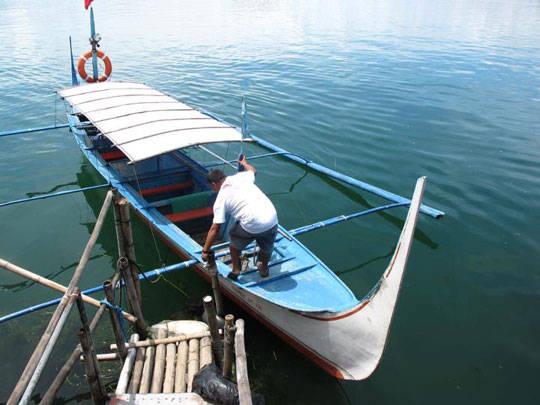 Du lịch Philippines - Hồ núi nửa Taal - thuyền Bangka - iVIVU.com