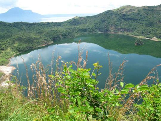 Du lịch Philippines - hồ Taal - miệng núi lửa - iVIVU.com