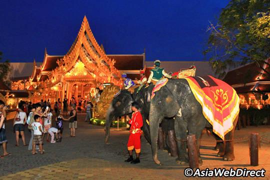 Du lịch Phuket - Phuket Fantasea Show- iVIVU.com