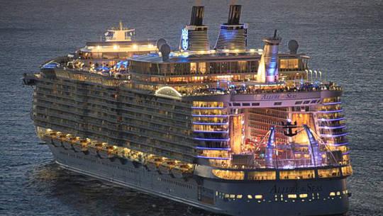 Allure_of_the_Seas_2012-01-12