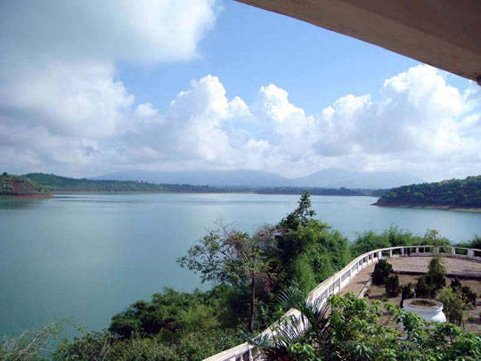 Du lịch Pleiku - Biển hồ Tơ Nưng - iVIVU.com