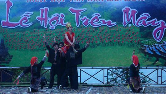 Lễ hội trên mây ở Sapa - iVIVU.com