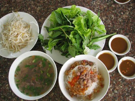 Du lịch Pleiku - phở khô - iVIVU.com